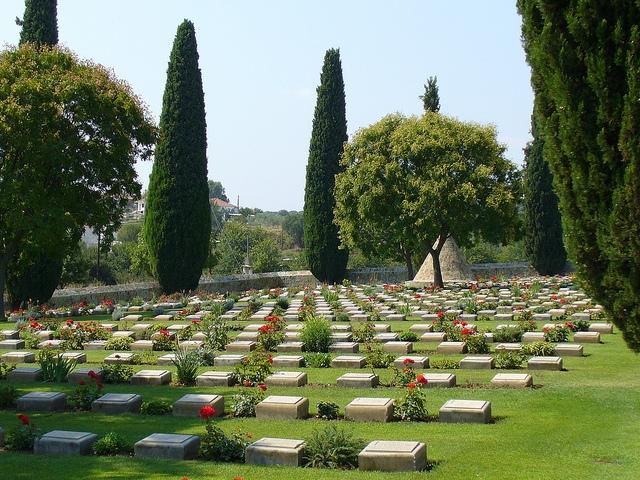 Hanson - War Cemetery